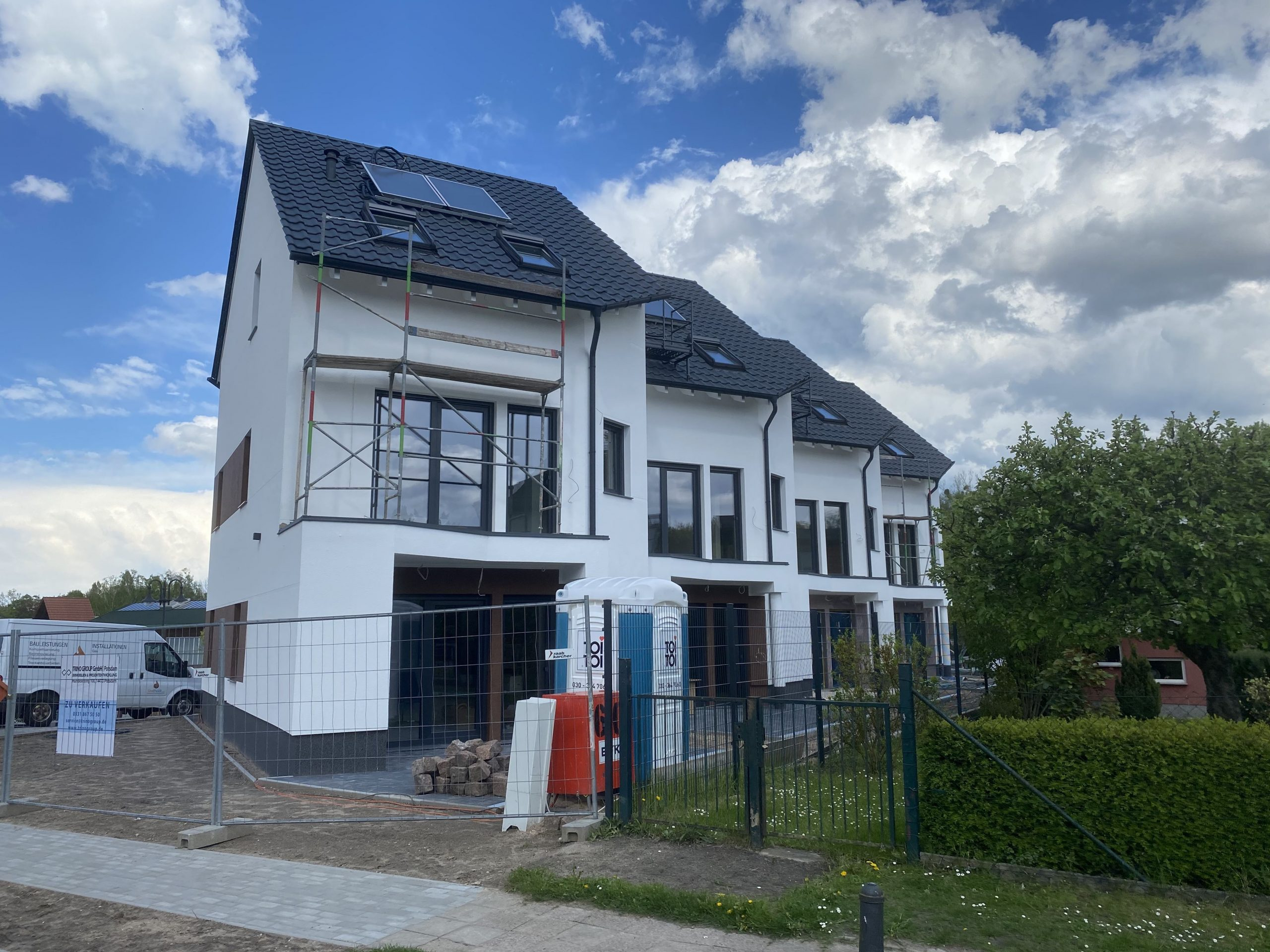 NEUBAU – Großzügiges und modernes  Einfamilienhaus ca. 35 min. von der Innenstadt Berlin