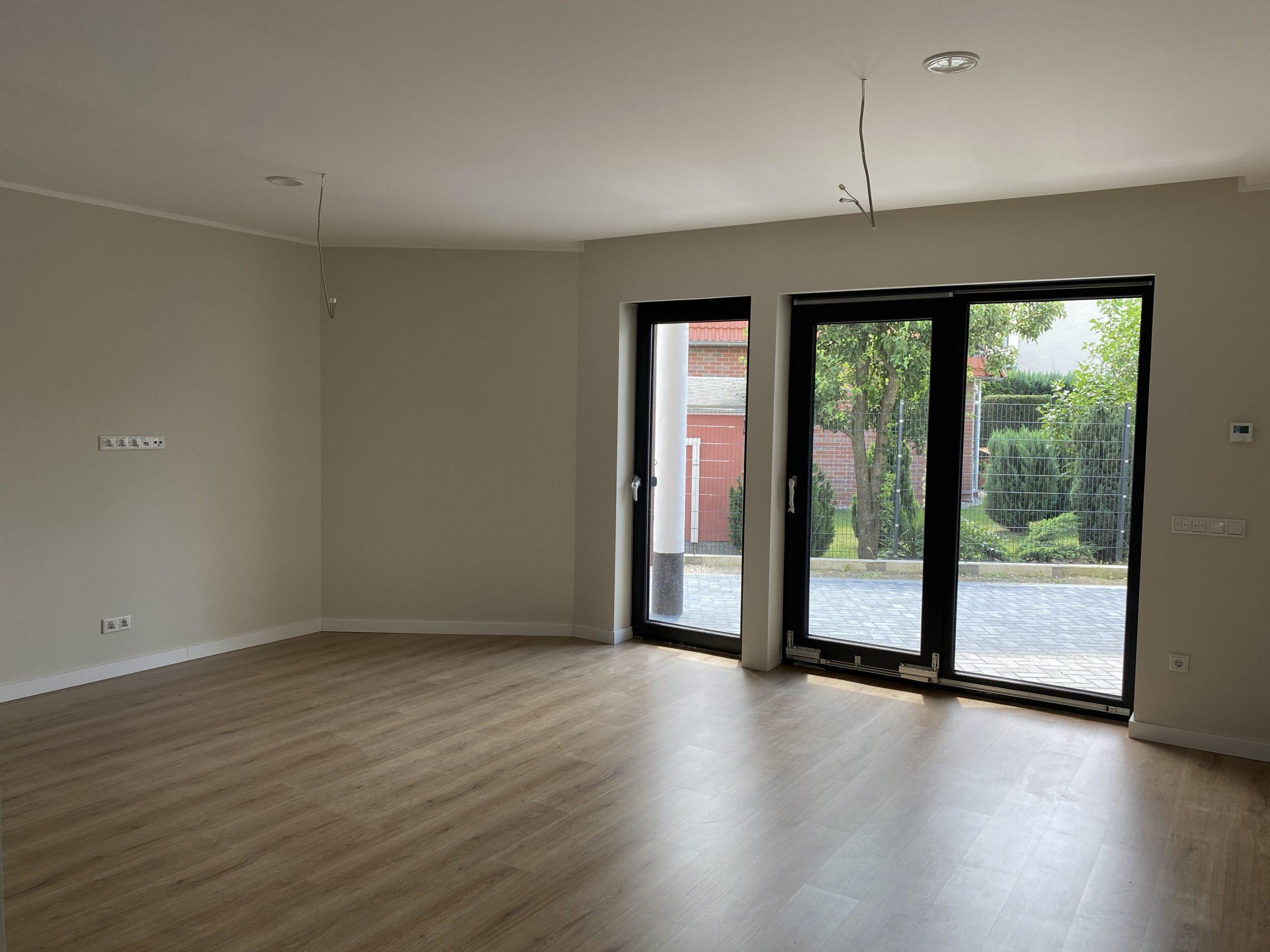 NEUBAU – Großzügiges und modernes  Einfamilienhaus inkl. Grundstück ca. 35 min. von der Innenstadt Berlin